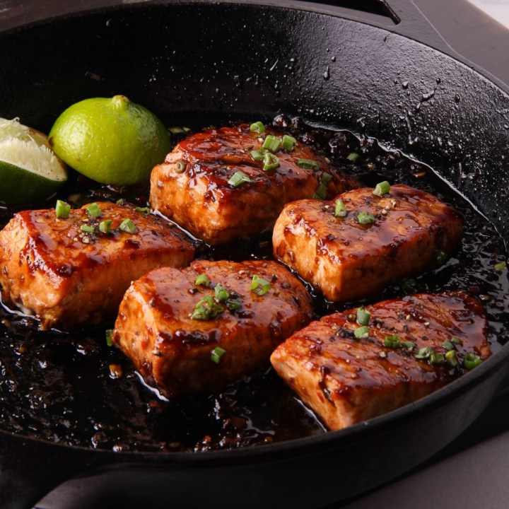 Cinnamon Apricot Glazed Salmon