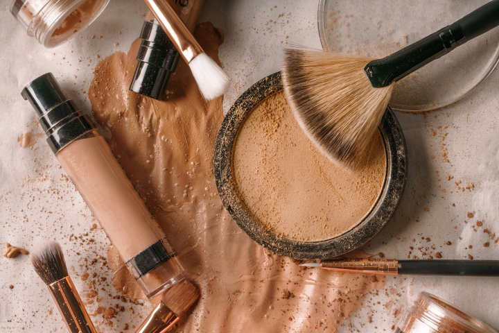 3 Super Gross Things That Can Happen When You Don't Clean Your MakeupBrushes